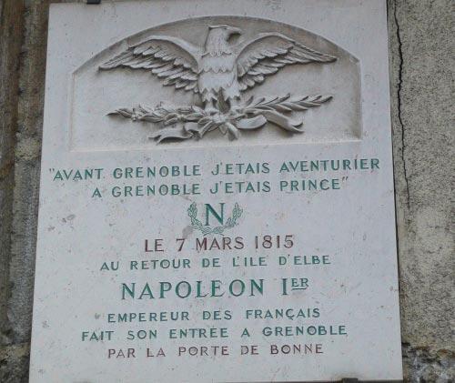 Avant Grenoble, j'étais aventurier... - Plaque commémorative grenobloise