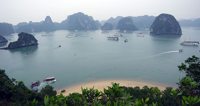 Baie d'Along - Grand angle (Vietnam)