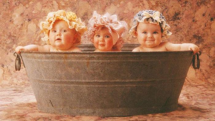 Anne Geddes: Bébés dans une baignoire
