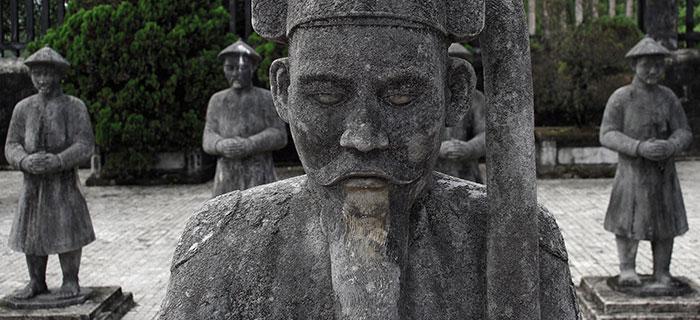 Des gardiens figés pour l'éternité à Hué