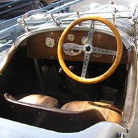 Imtérieur d'une voiture de marque Amilcar