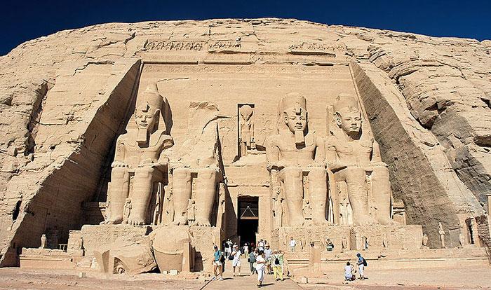 Les colosses de Ramses II, temple d'Abou Simbel