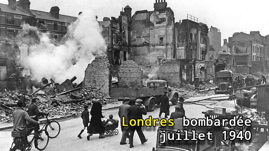 Londres bombardée en juillet 1940
