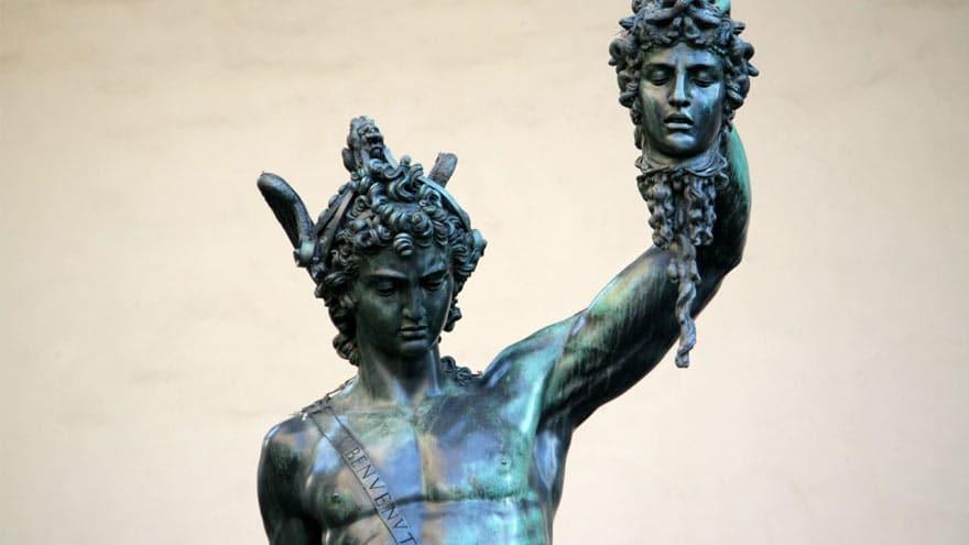 Persée tenant la tête de Méduse, Benvenuto Cellini, 1554, Florence (extrait)